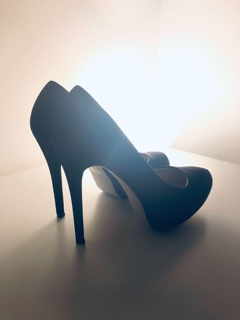 Madden Girl Faux Suede Hidden Platform Pump 8.5 US