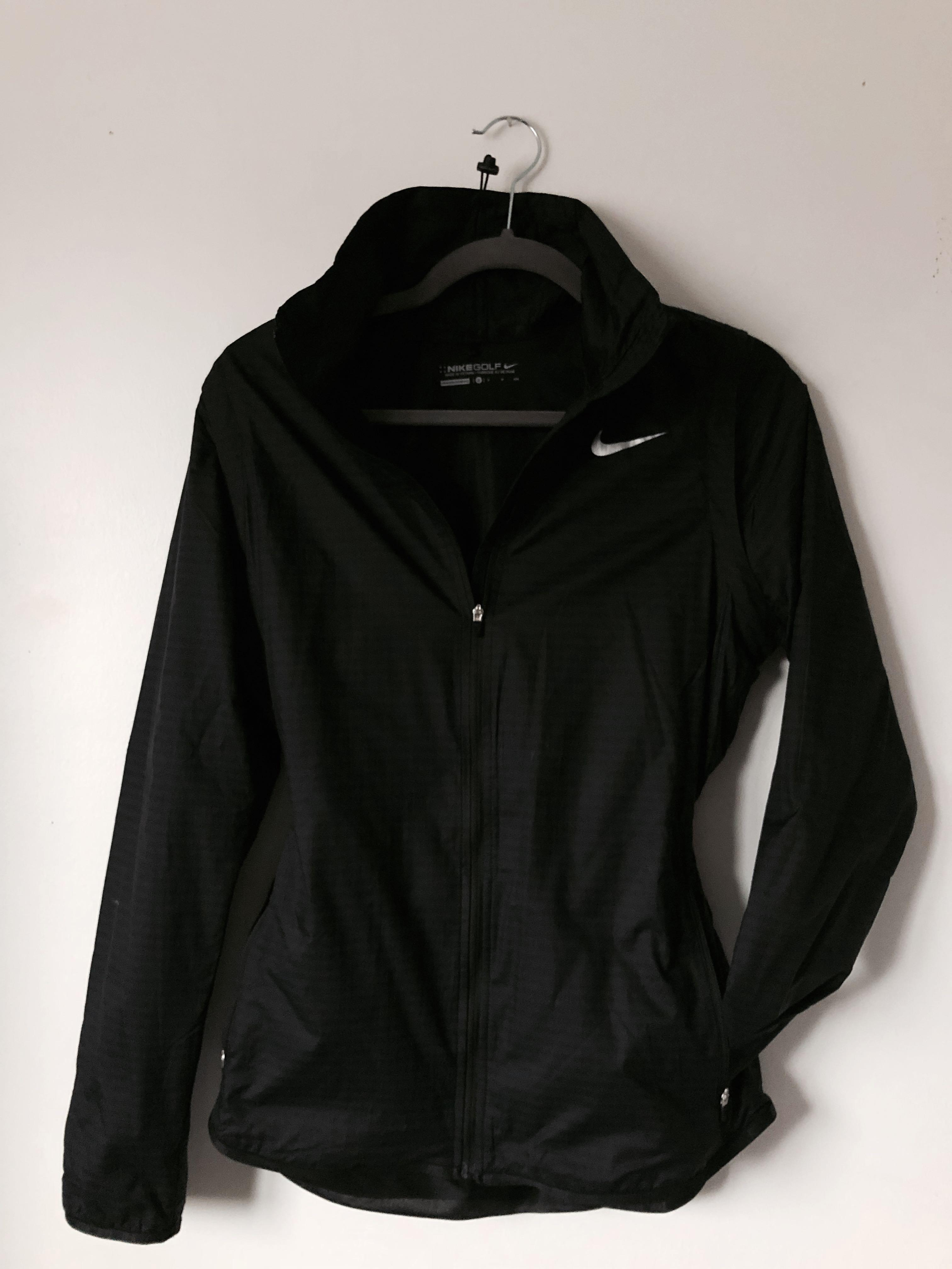 Nike Windbreaker w/ Removable Sleeves (size small)