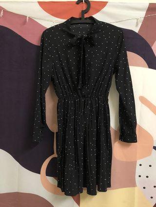 韓國購買的準韓妞點點百褶洋裝