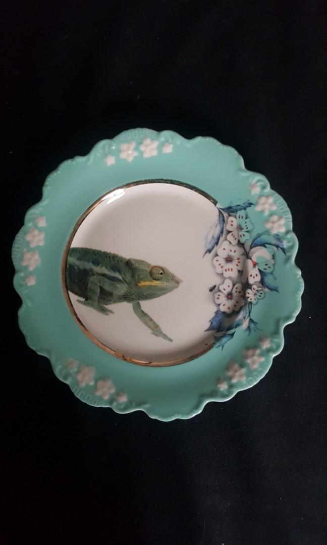 "2x Anthropologie Lou Rota Iguana Lizard Nature Table 9.5"" Plate Display or Food"