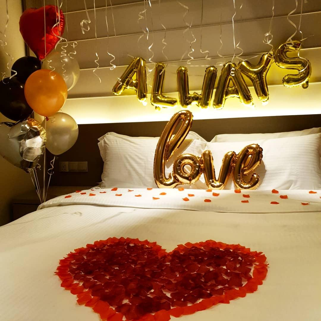 Proposal Helium Balloons Surprise Hotel Room Decor Birthday Party Decor Design Craft Others On Carousell