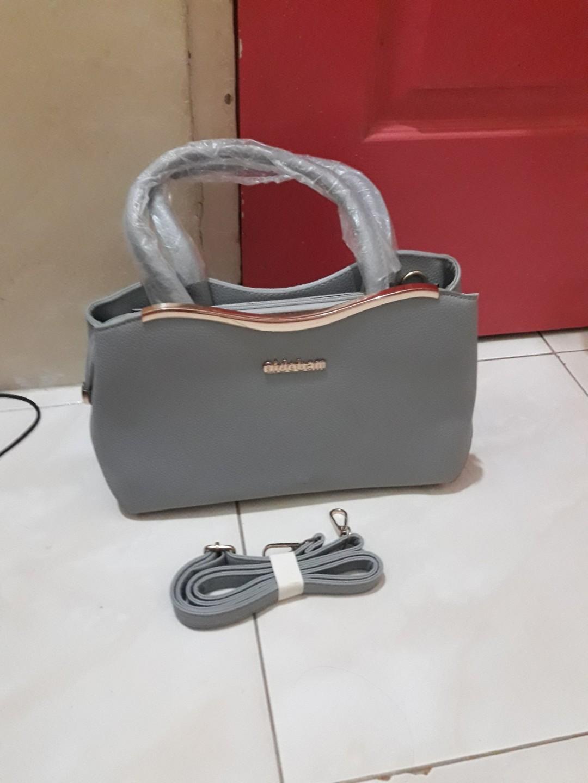 #Tas wanita,bahan kulit,kualitas jamin bagus premium,mewah,no.wa.081378713287