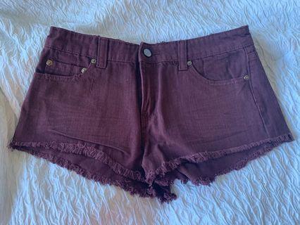 Burgundy short shorts (size:27)
