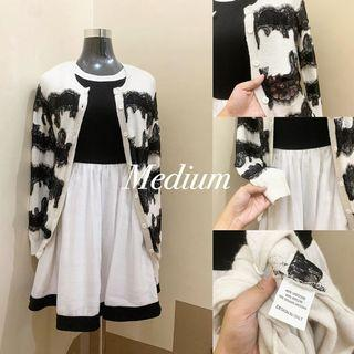 💃🏻 white black Laced Cardigan 💰 120