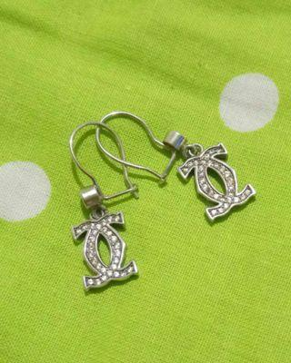 Anting Cartier silver