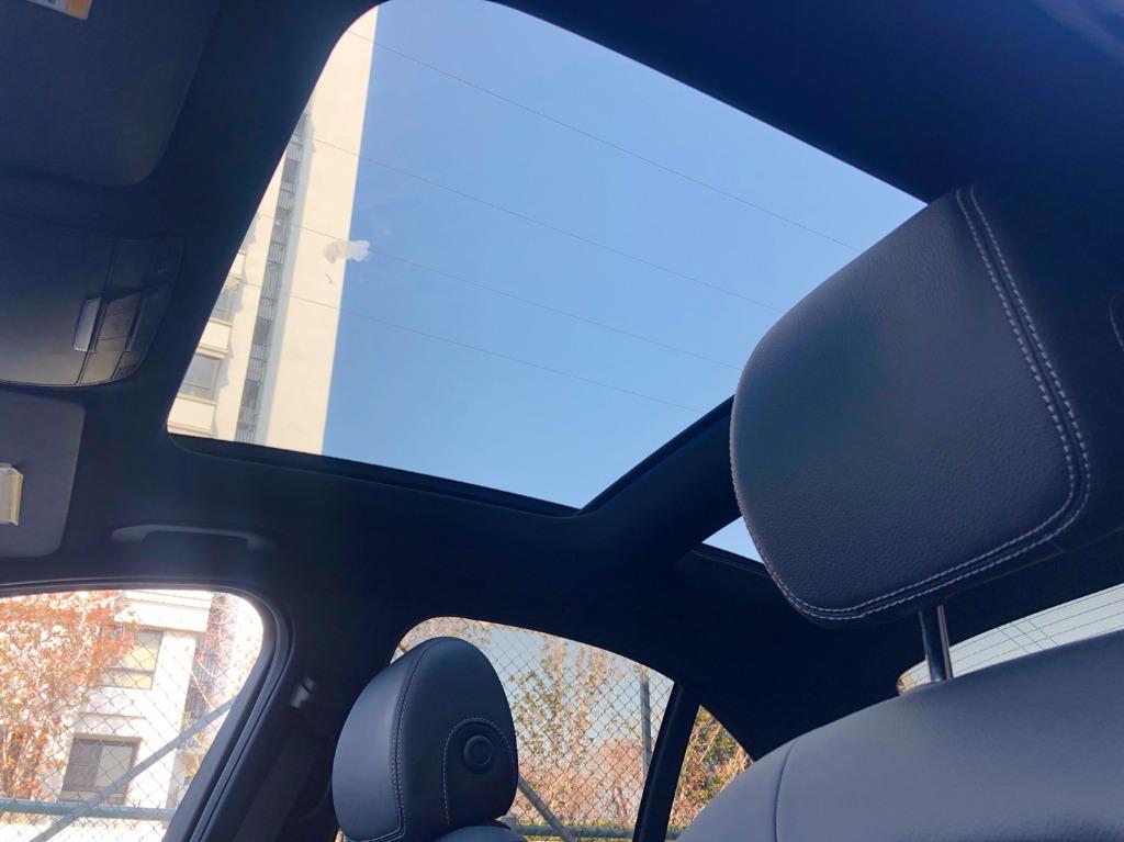 Benz C300 AMG 2016 稀有選配 👉質感科技灰👉抬頭顯示👉電動尾門‼ 有喜歡價格可商議