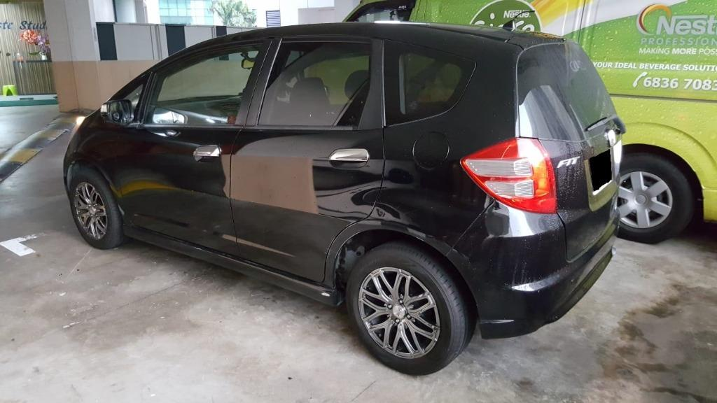 Car Rental Honda Fit Fri-Mon Weekend Package 3-6 April (Woodlands 11)