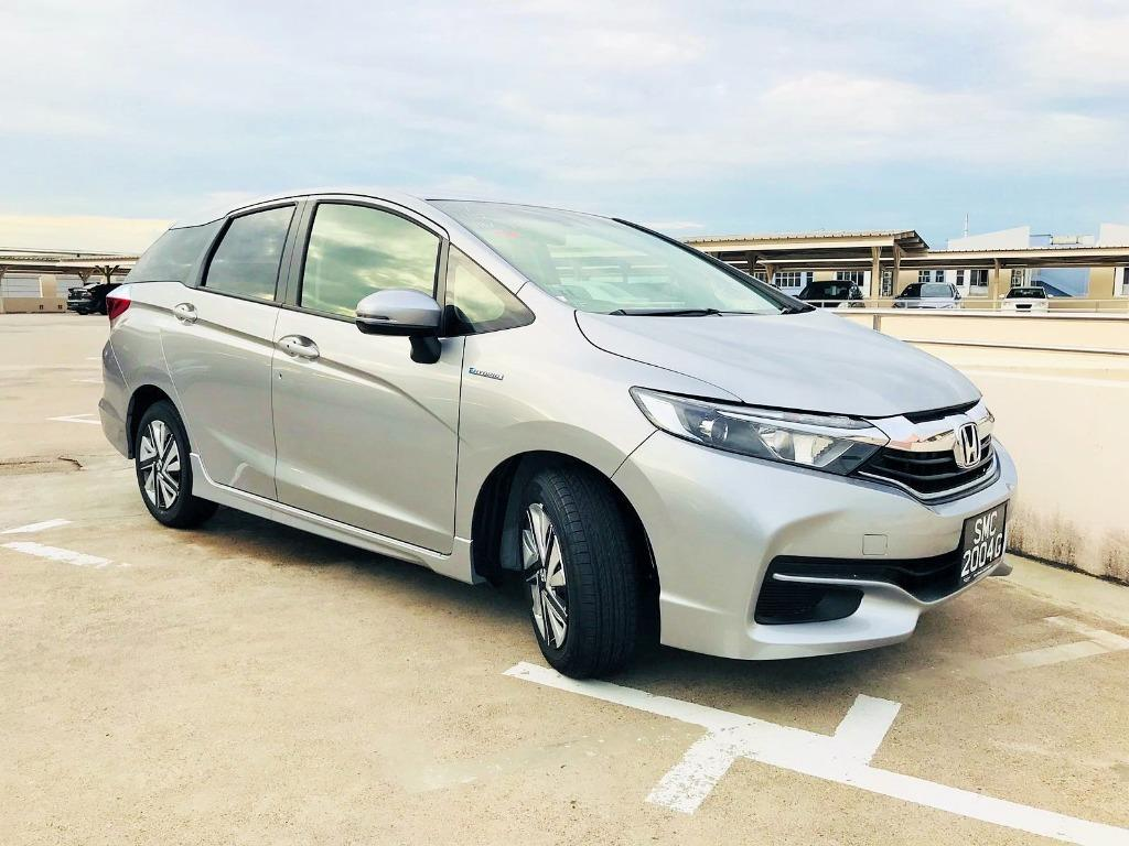 Honda Shuttle Hybrid [2019 unit] - Black/White/Silver