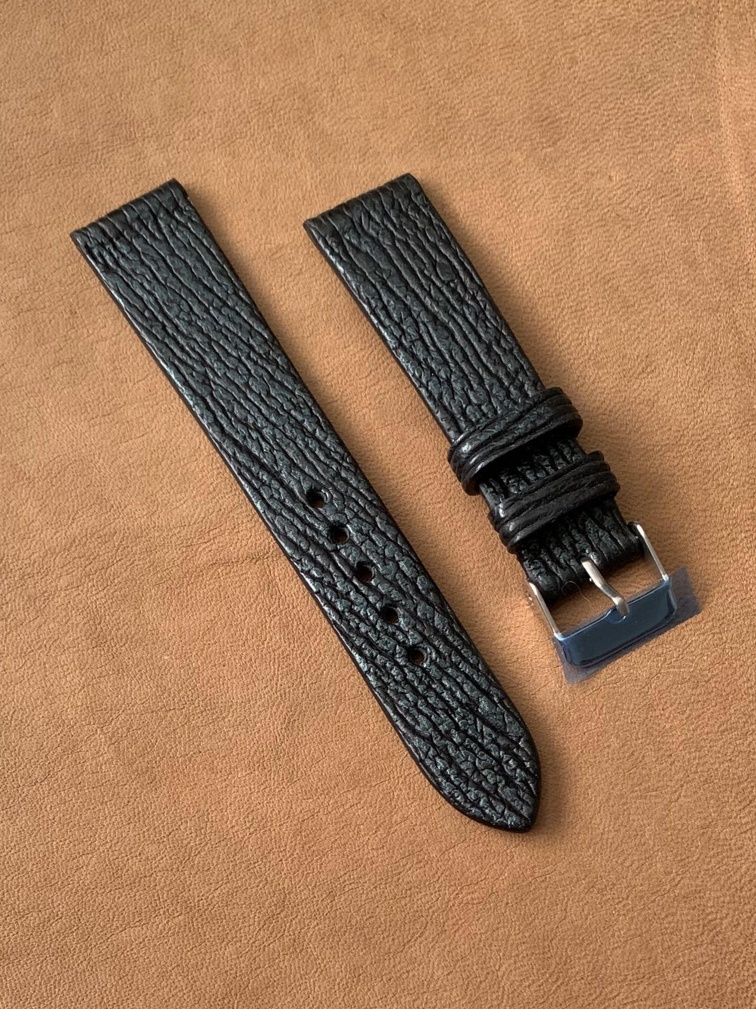 20mm/18mm Black with Forest Green Shark Leather Watch Strap 20mm@lug/18mm@buckle Standard length- L:120mm, S:75mm (two pieces sold already, last piece left! 🙏🏻👍🏻)