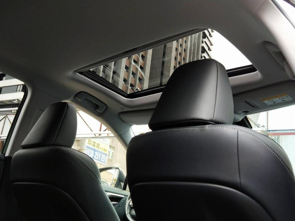 LEXUS RX200t 2017 新車價241萬 現在買 現賺約77萬 里程僅跑2萬 原廠保固中 頂級版 全車原漆 原鈑件