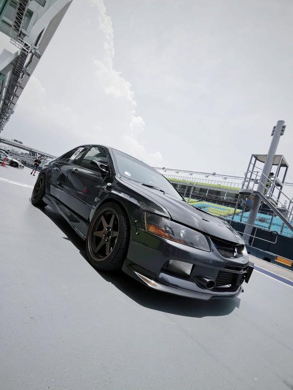 Mitsubishi Lancer Evolution IX (M)
