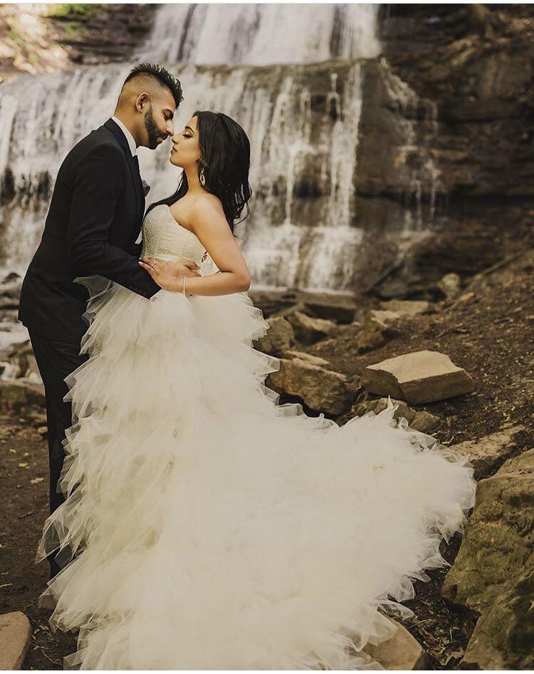 Selling white wedding dress / engagement shoot dress