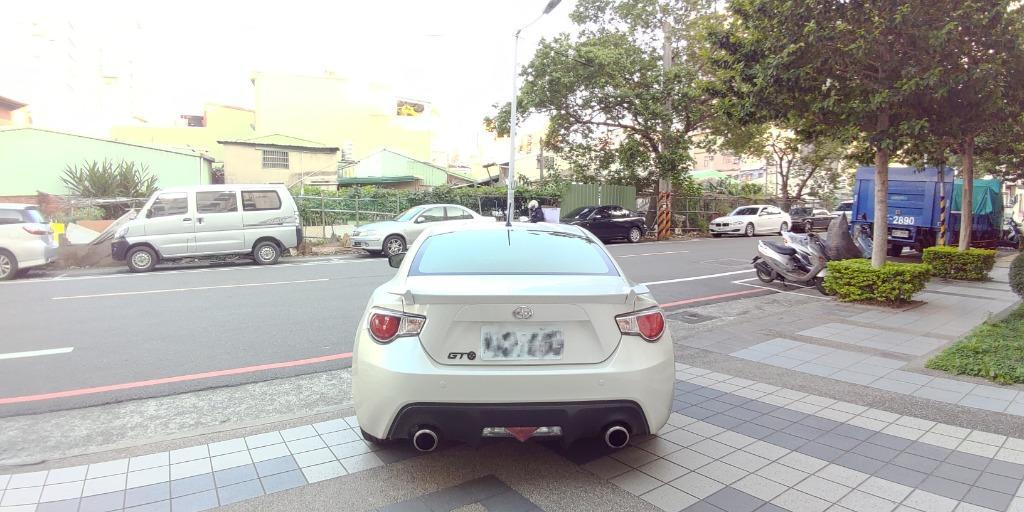 冠軍車庫【專業認證】TOYOTA GT86  2.0L 2013年款