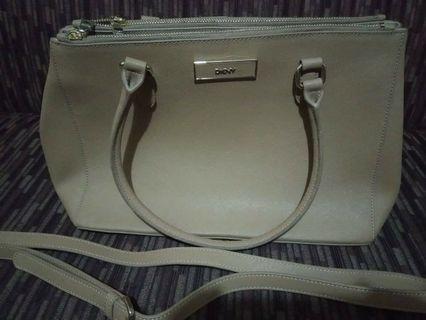 Dkny sling bag new
