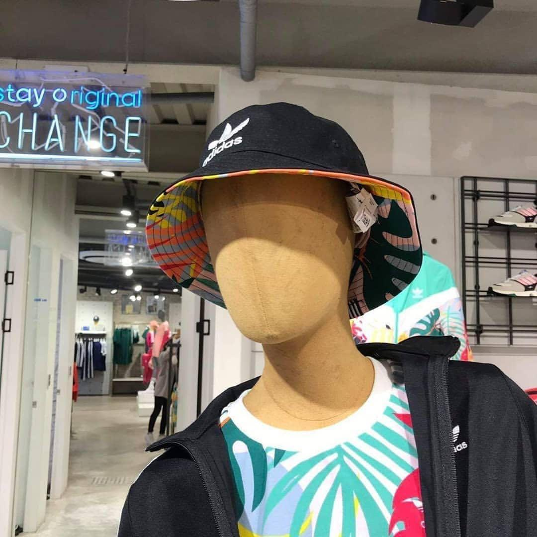 Adidas Reversible Bucket Hat Women S Fashion Accessories Caps Hats On Carousell