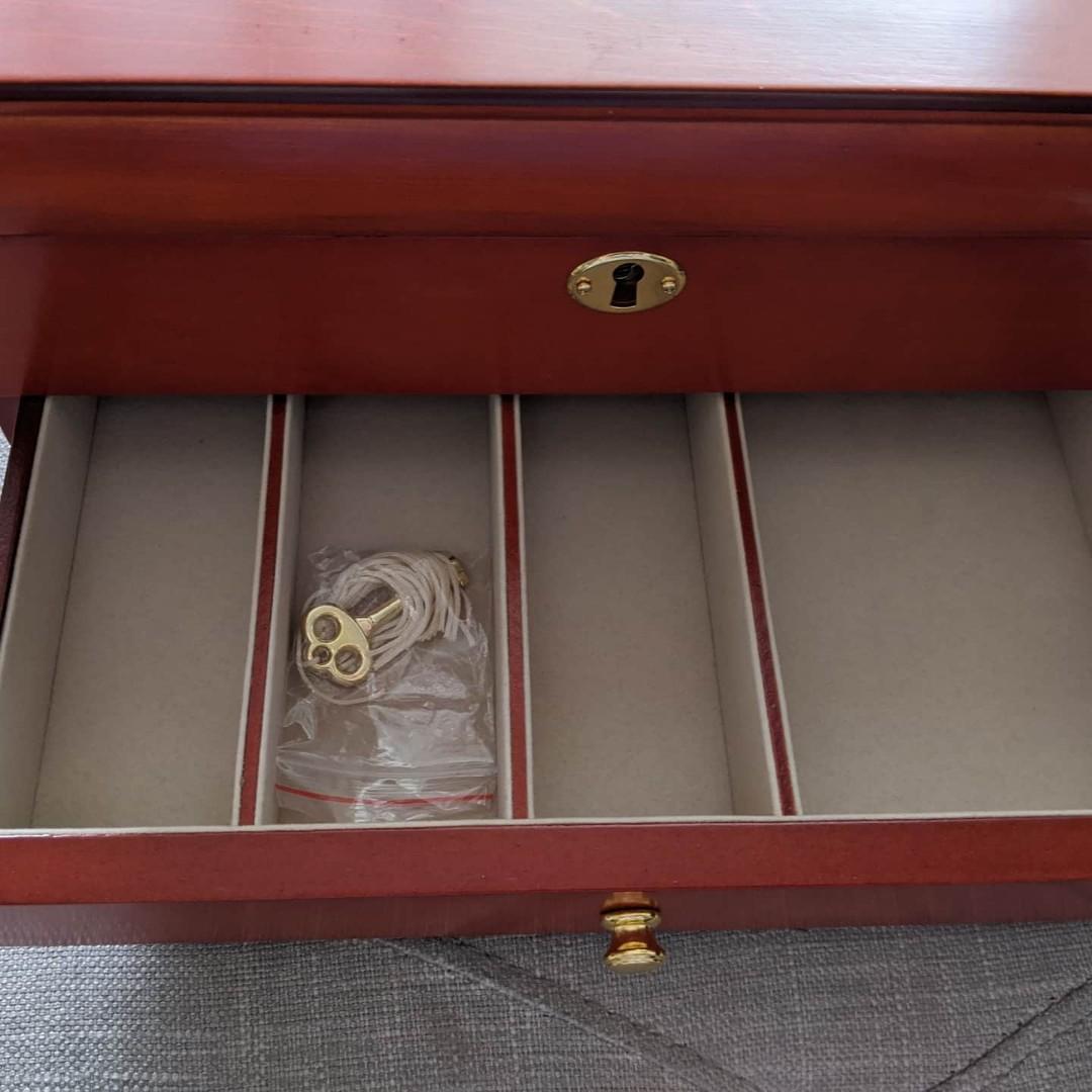 Brand New Riverside Park Men's/Women's Watch Box for 15 Watches