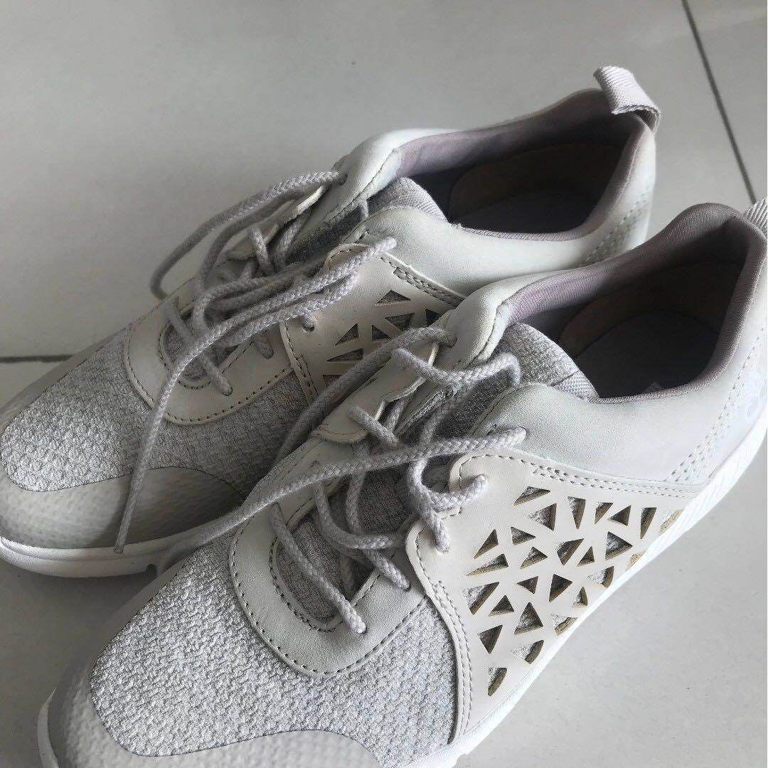Boltero Low Trainers Sneakers