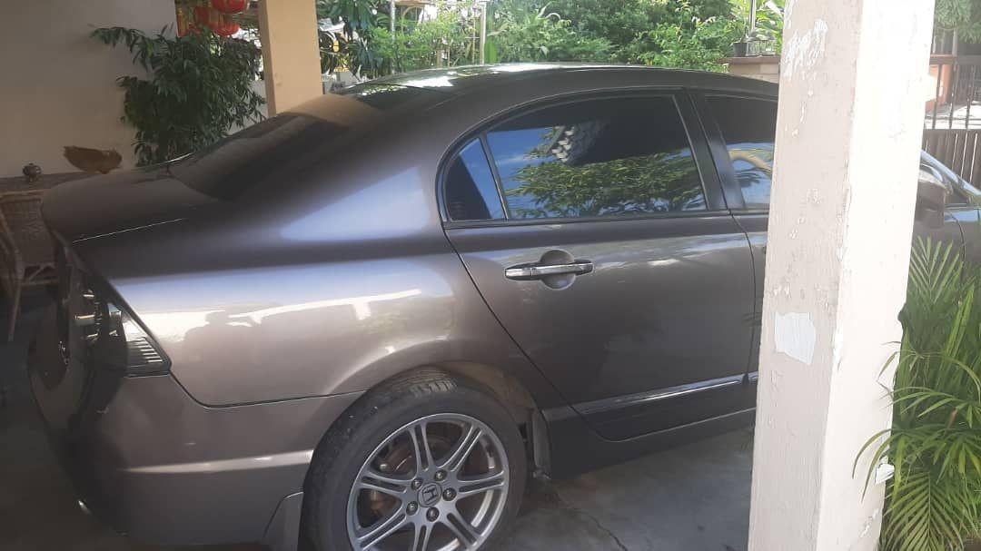 HONDA SIVIC FD(SG CAR COMPLETE DOCUMENT HALAL DI ATAS JALAN RAYA MALAYSIA)