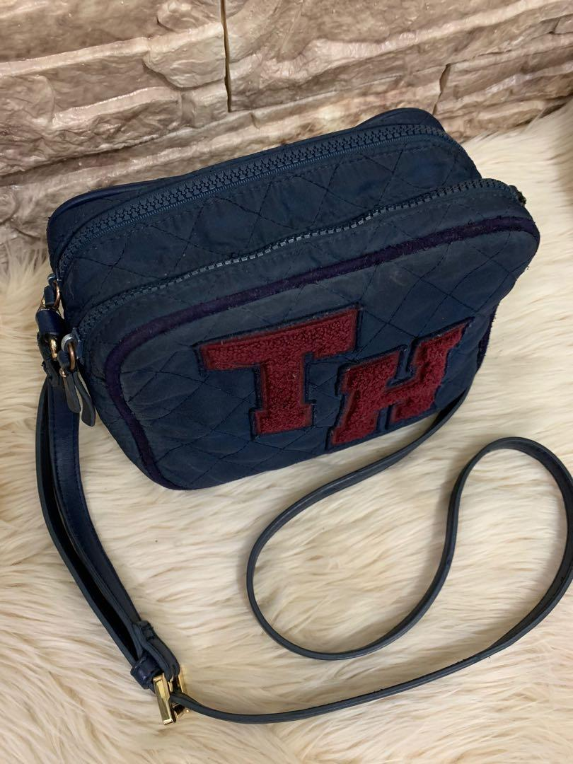 Tas slempang Tommy Hilfigher authentic, nylon mix leather, 20 x 15 x 9 cm, kondisi 80% OK, bag only!no php!!