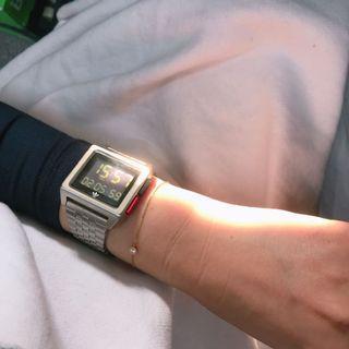 Adidas 復古電子錶