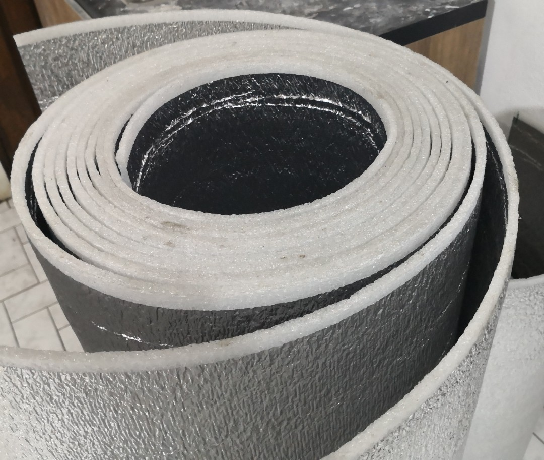 Heat Reject Aluminum Insulation Foam 1m X 1m Double Sided Construction Industrial Construction Building Materials On Carousell