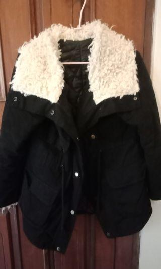 QQ黑色保暖外套