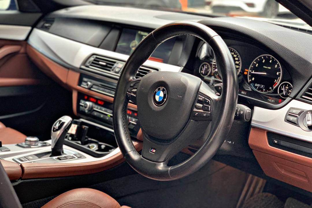 BMW F10 M-SPORT 528i 2.0 TWIN POWER TURBO  AUTO BAVARIA SPEC 2013