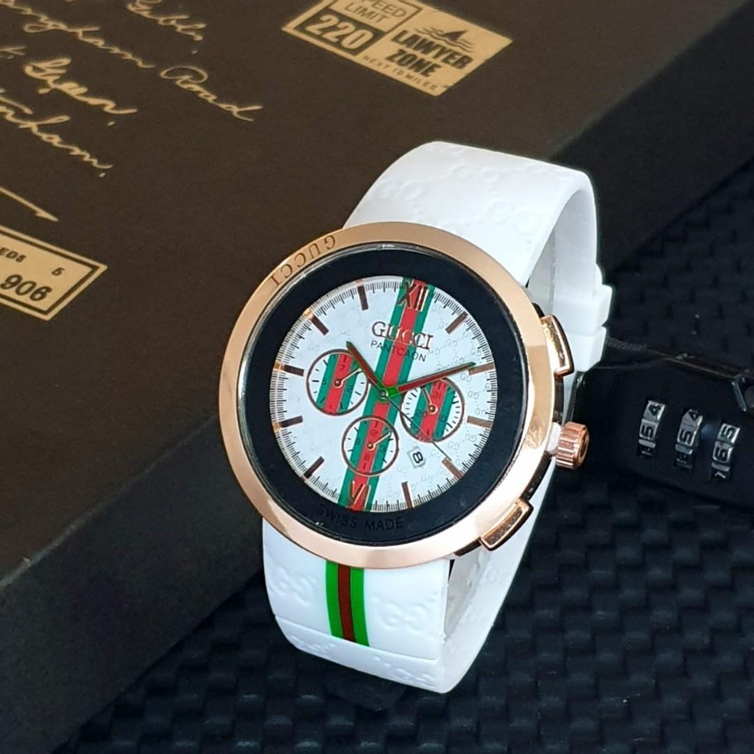 Brand : Gucci  Kualitas : Super  Display : analog, chrono off, tgl on  Diameter : -+4,5cm Tali : rubber  Free box kancing  Free baterai analog Free bubble