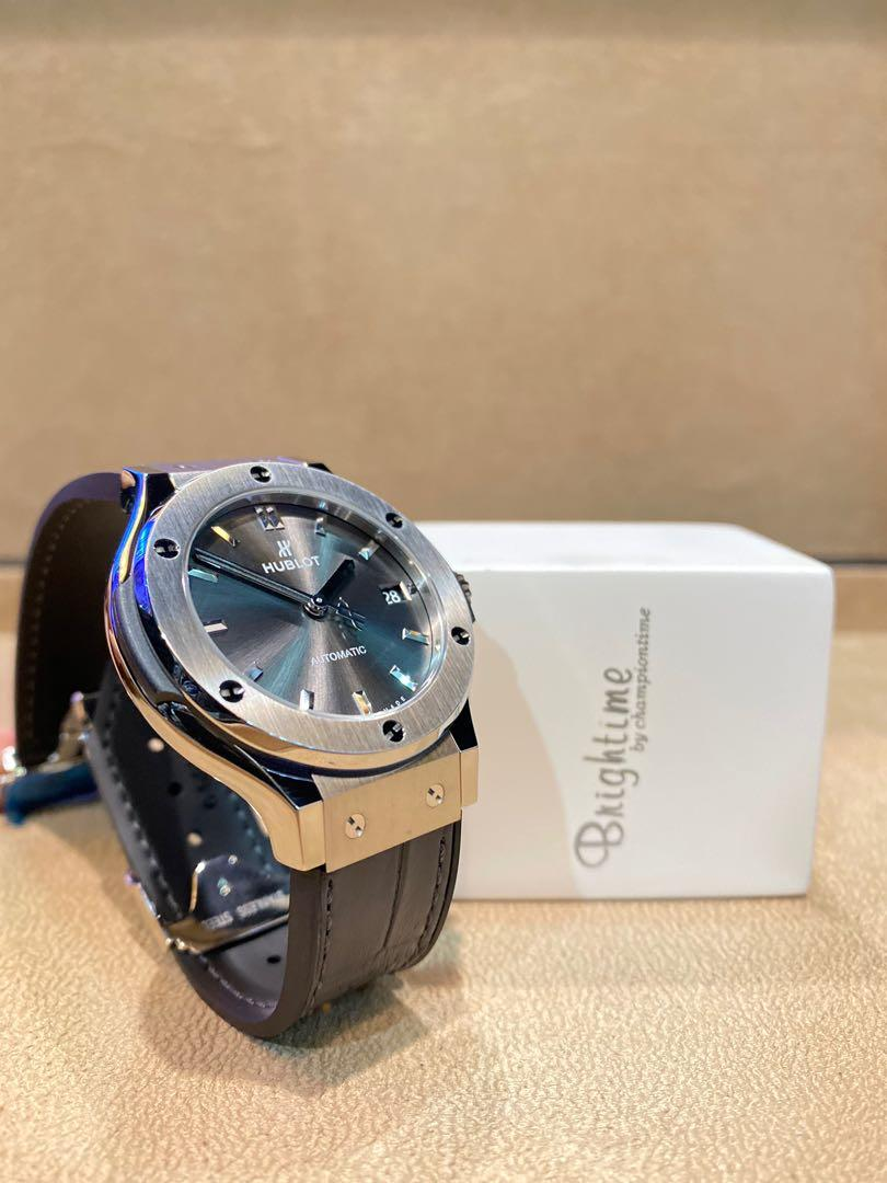 Brand New Hublot Classic Fusion 565.NX.7071.LR Racing Grey Dial Automatic Titanium Casing Leather