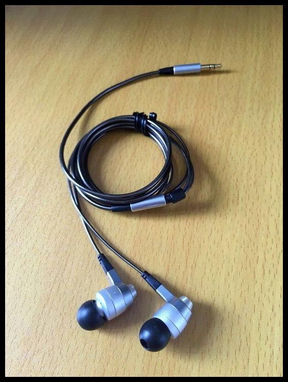 Fidelity Japan Denon c720 C720 Headphones Vocal Pop Monitor Headphones