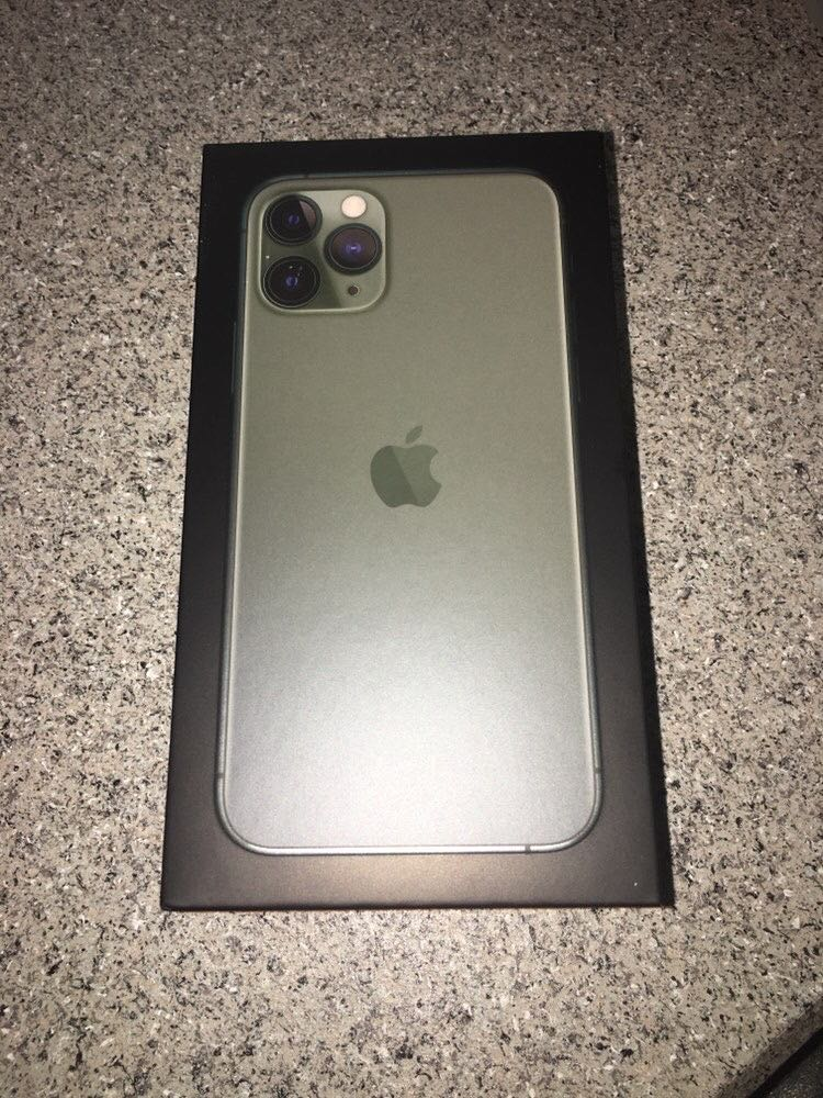 iPhone 11 Pro max(Cash app or Venmo payments only)