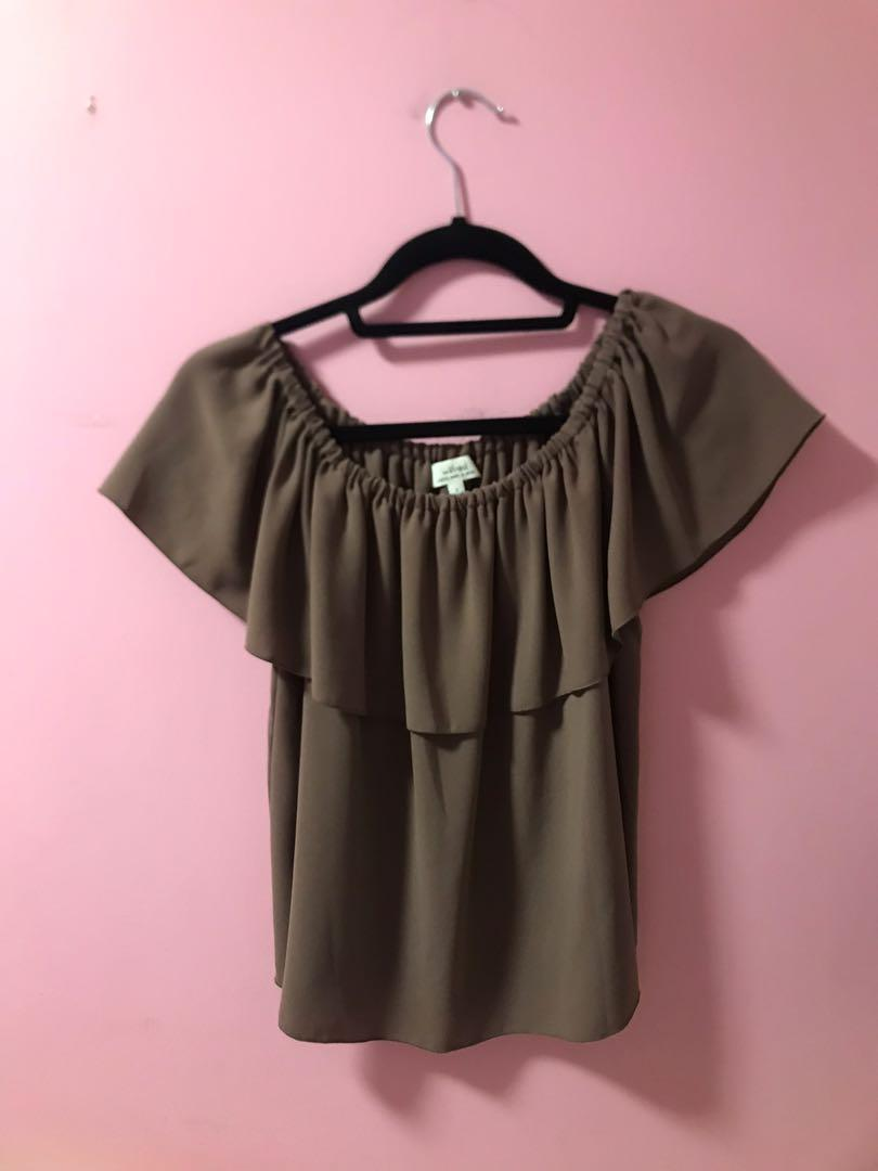 Aritzia Wilfred Promener Blouse in Caban Size Small