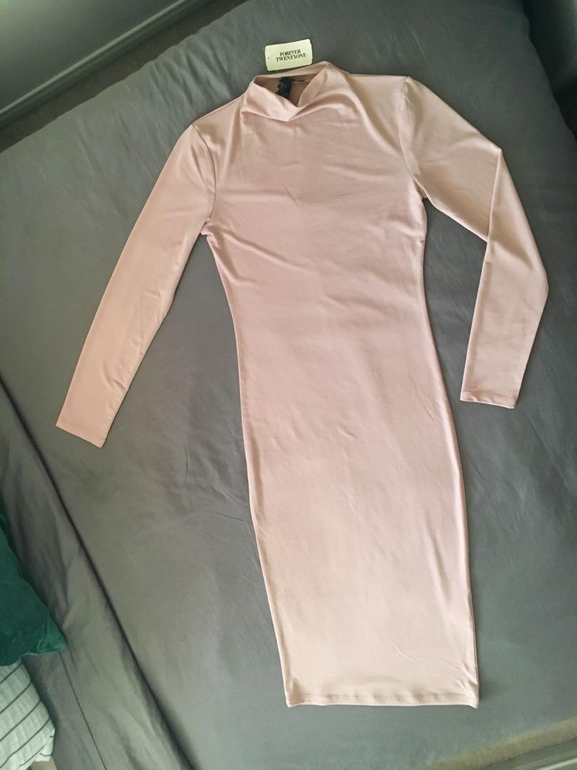 NWT, Forever 21, blush pink bodycon dress with ring collar