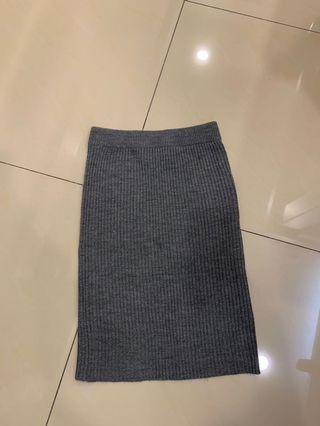 GU 深灰 窄裙