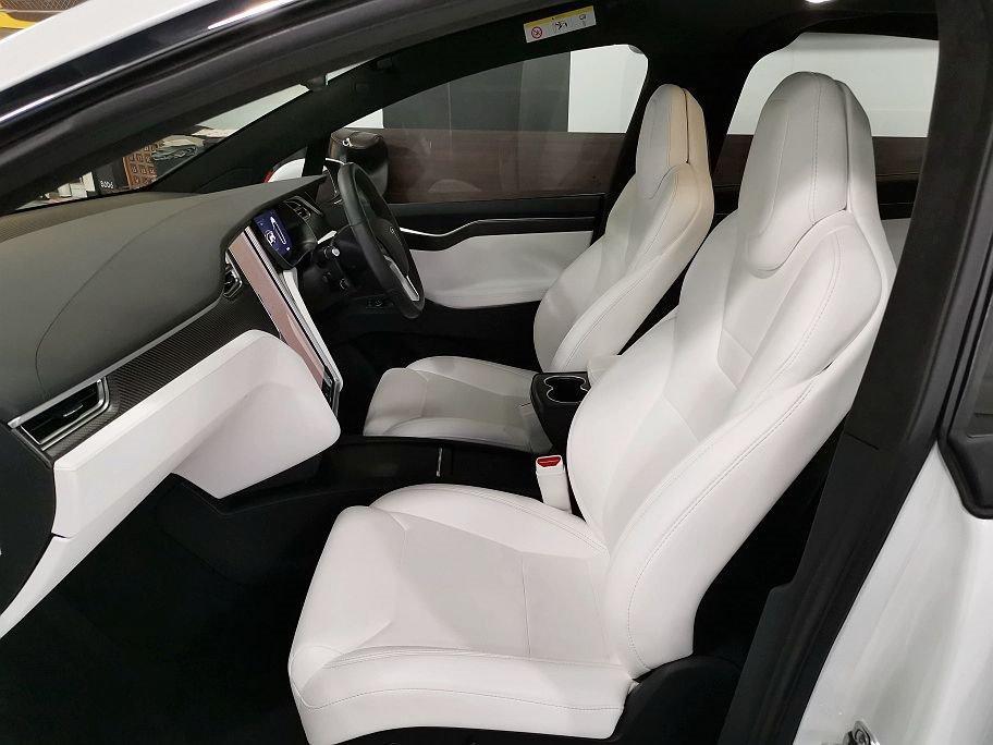 2017年 Tesla Model X 90D Auto