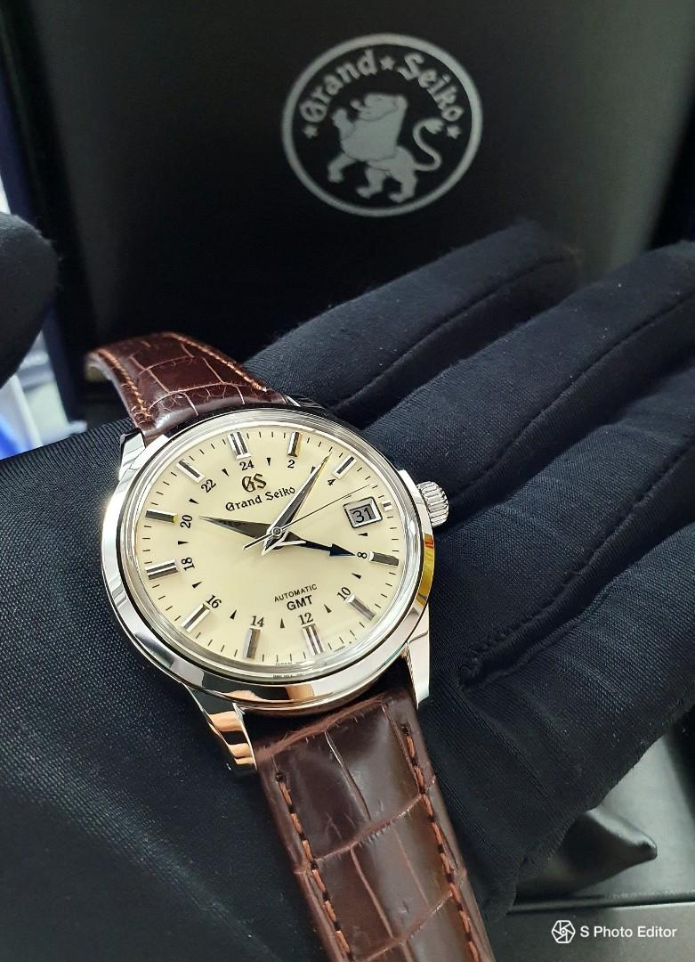 * FREE DELIVERY * Brand New 100% Authentic Grand Seiko Cream Dial GMT Men's Automatic Field Watch SBGM221