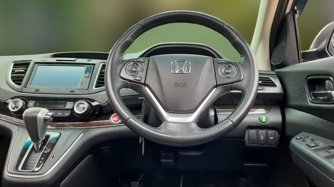 Honda CRV 2.400 Prestige AT 2015 Silver, Sunroof, Dp 26,9 Jt No Polisi Ganjil