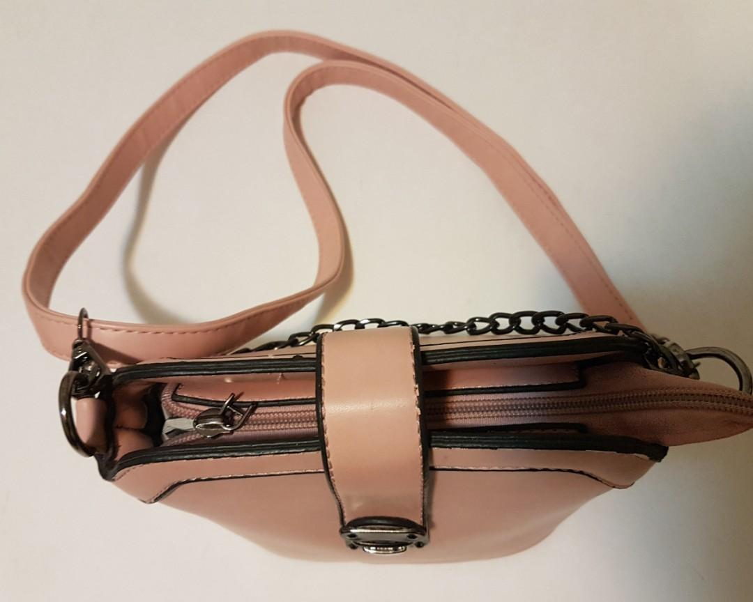MINI NUDE PINK HANDBAG With Metal Chain And Black Accents