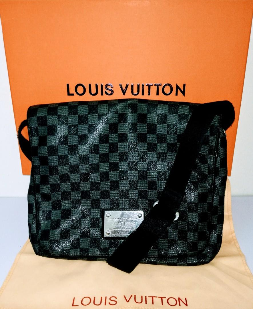 Preloved Authentic Louis Vuitton District PM Black Damier Ebene Messenger Bag
