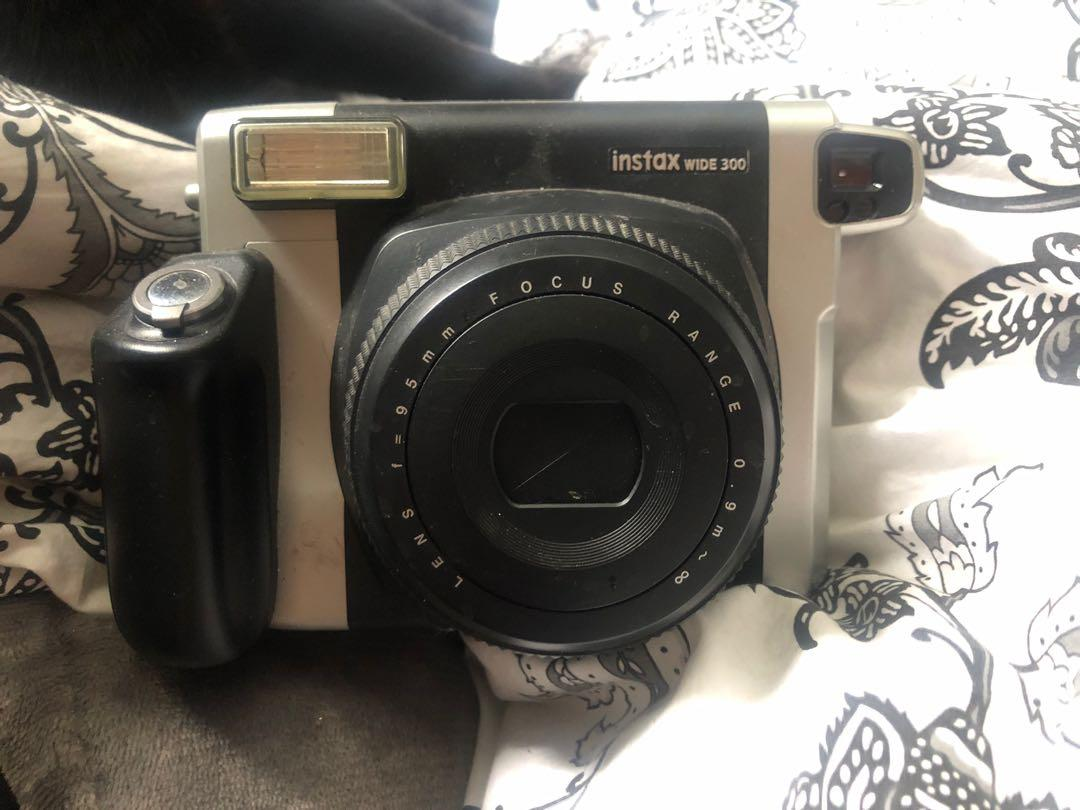 SELLING INSTAX WIDE POLAROID USED LIGHTLY! GREAT VDAY GIFT!
