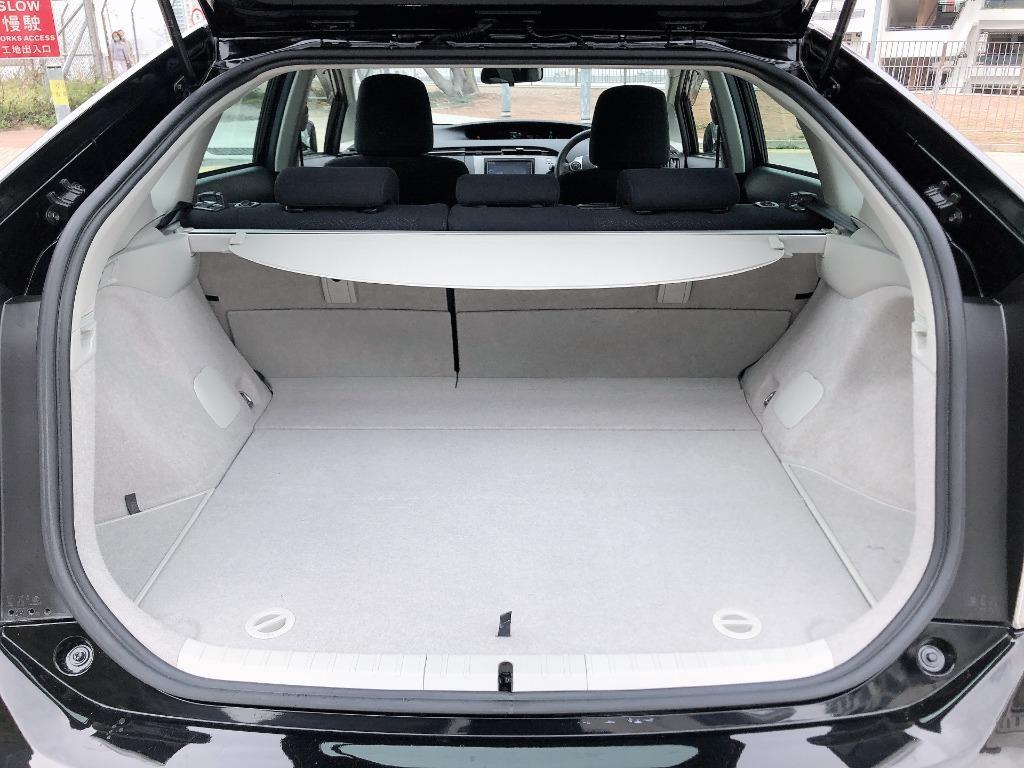 Toyota    PRIUS S HYBRID FACELIFT   2014 Auto
