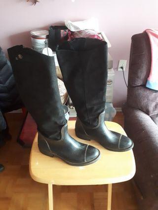 Ladies riding boot size 9