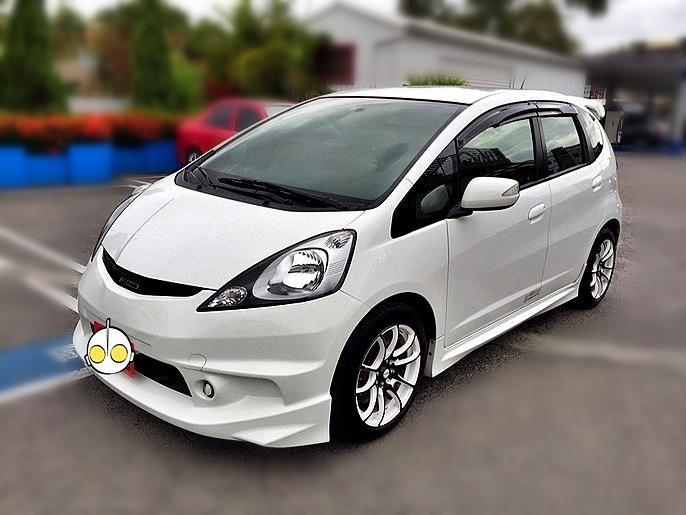 2010 Honda FIT 1.5 白 配合全額貸、找 錢超額貸 FB搜尋 : 『阿文の圓夢車坊』
