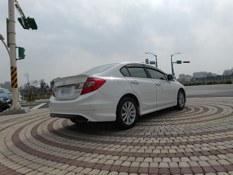 2014 Honda Civic 1.8 白