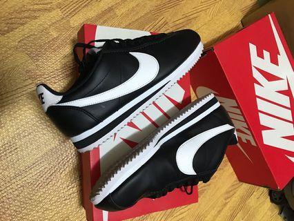 Nike 黑底白勾 經典 阿甘鞋