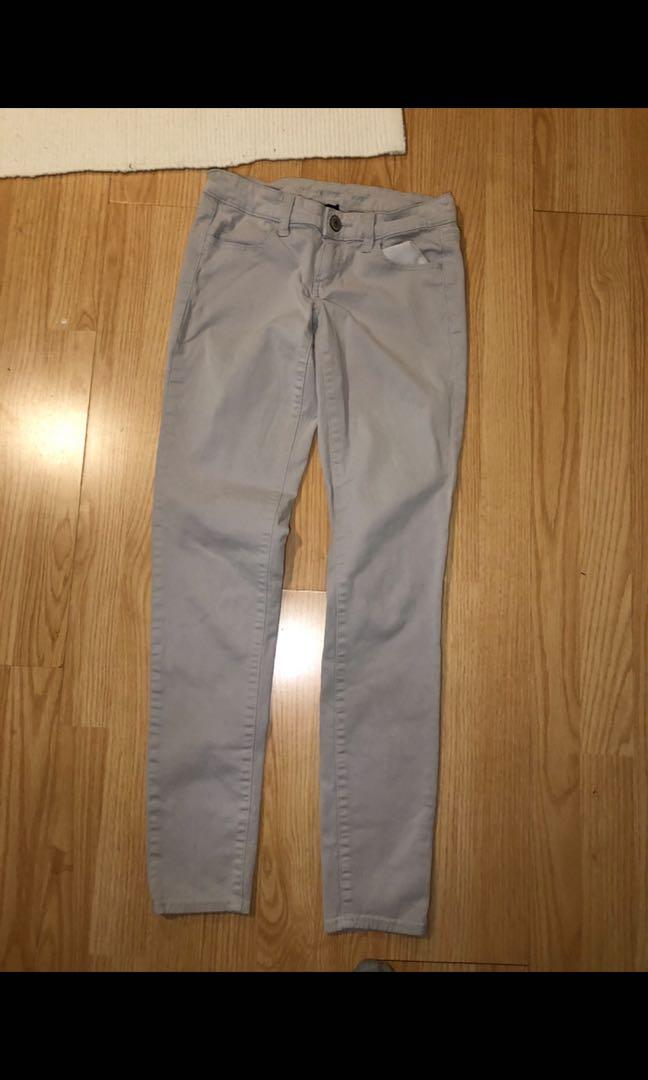 American Eagle outfitters women's grey khaki pants size 2
