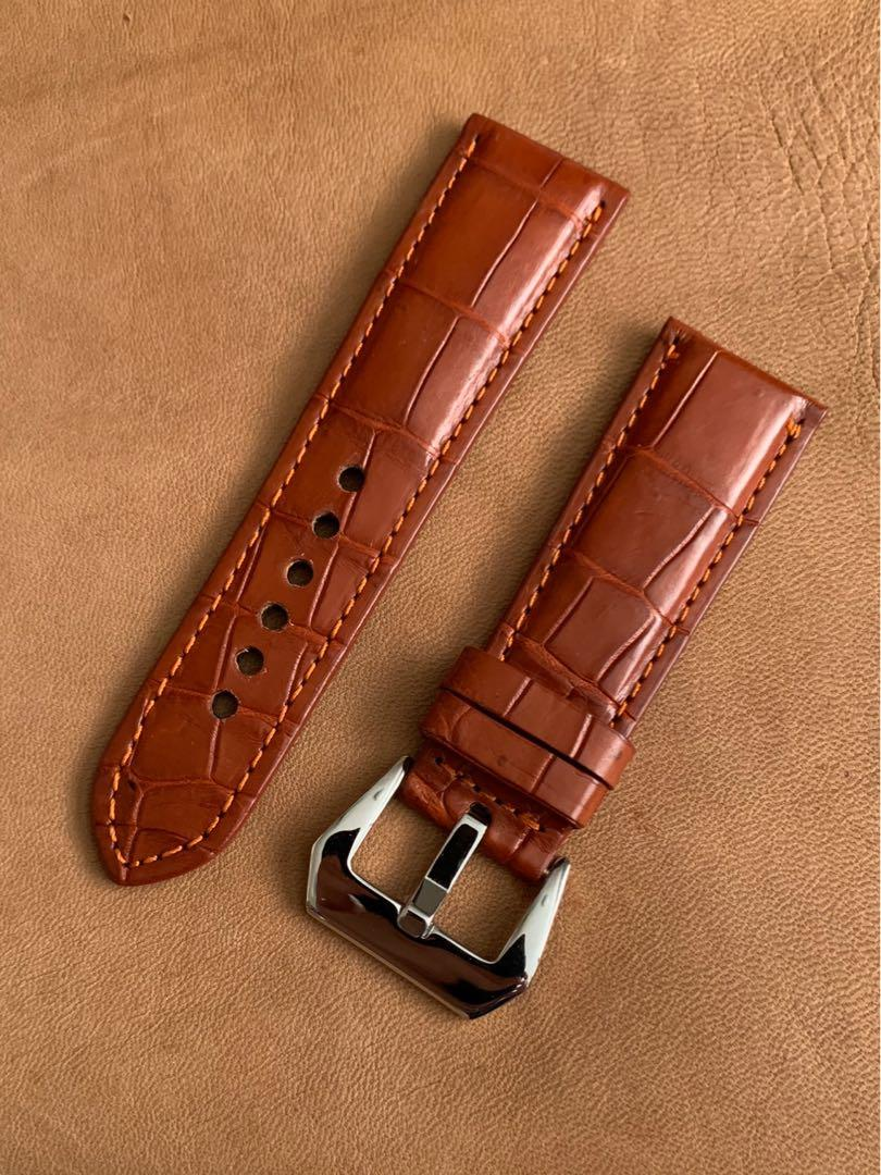 26mm/22mm Mahogany Brown Alligator 🐊 Crocodile Watch Strap (smooth belly grains) 26mm@lug/22mm@buckle  26mm/22mm (standard length- L:120mm, S:75mm) (only 1 piece 😊- once sold, no more 🙏🏻)