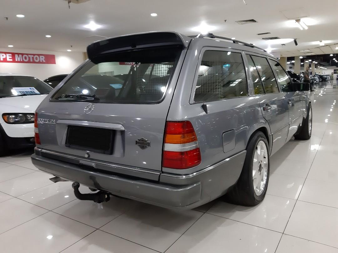 for SALE tahun 1989 Mercedes-Benz MERCY  300TE Automatic.SUNROOF-Elektrik SEAT.Velg Ori BRABUS.Nopol B-Dki(GENAP).Unit Kondisi PRIMA.pajak pertahun 1.2juta.DiJUAL Nego Seada adanya.