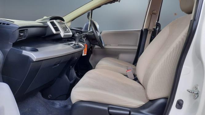 Honda Freed SD AT 2010 Putih, Dp 19,9 Jt, No Pol Genap, Paket WARRANTY SMART(Mobil Bekas Begaransi)