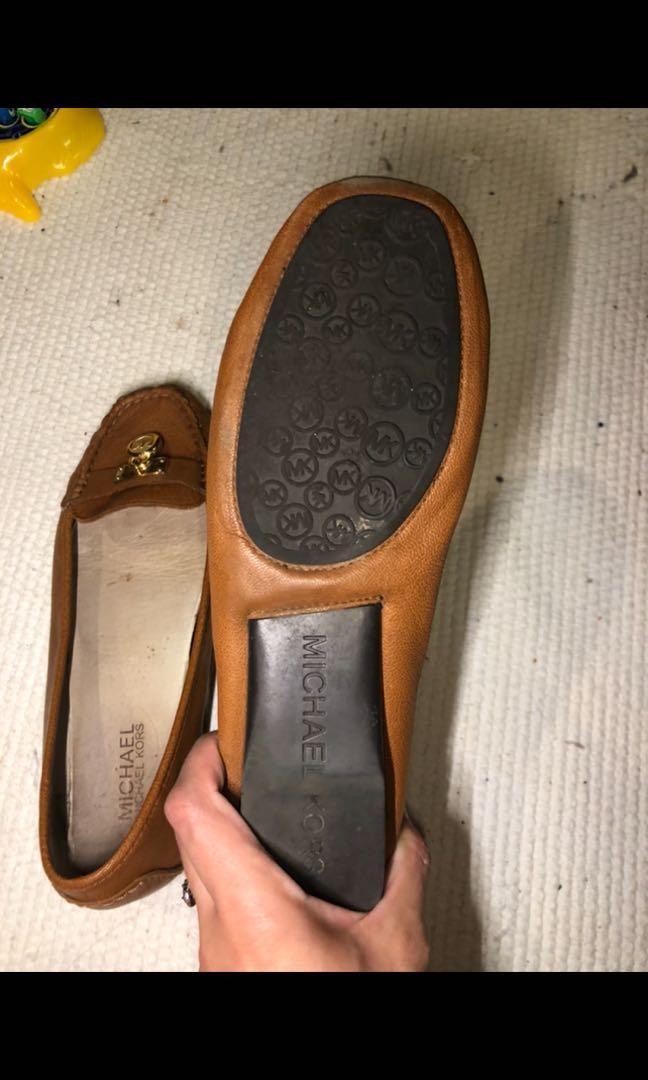 Michael kors Hamilton padlock tan loafers women's size 7.5